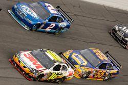 Greg Biffle, Roush Fenway Racing Ford, Michael Waltrip, Michael Waltrip Racing Toyota, Kurt Busch, Penske Racing Dodge