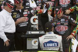 Victory lane: race winner Jeff Gordon, Hendrick Motorsports Chevrolet celeberates with Jimmie Johnson, Hendrick Motorsports Chevrolet