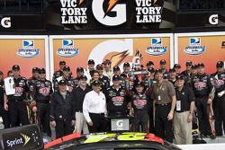 Victory lane: race winner Jeff Gordon, Hendrick Motorsports Chevrolet celeberates