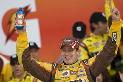 Victory lane: race winner Kyle Busch, Joe Gibbs Racing Toyota celeberates