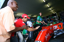 Tokyo Sexwale, Seat Holder A1 Team South Africa and Felipe Massa wish Adrian Zaugg, driver of A1 Team South Africa luck