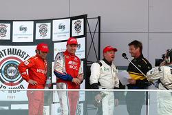 Jason Bargwanna, Neil Crompton et Brad Jones (N°34) prennent la troisième place