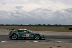 Paul Drayson, Johnny Cocker, Robert Bell (N°007), Aston Martin Vantage GT2
