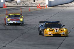 Lou Gigliotti, Eric Curan, Lucas Molo (Corvette C6 N°28) et Jorg Bergmeister, Patrick Long, Marc Li