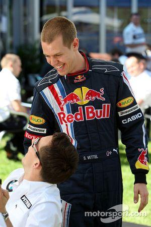 Christian Klien, pilote d'essais de BMW Sauber F1 Team et Sebastian Vettel, Red Bull Racing