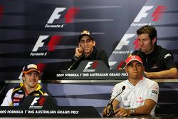 Conférence de presse FIA : Fernando Alonso, Renault F1 Team, Sebastien Buemi, Scuderia Toro Rosso, Lewis Hamilton, McLaren Mercedes, Mark Webber, Red Bull Racing