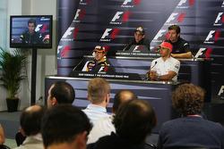 Conférence de presse FIA : Fernando Alonso, Renault F1 Team, Sebastien Buemi, Scuderia Toro Rosso, L