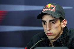 Sebastien Buemi, Scuderia Toro Rosso en la conferencia de prensa de la FIA
