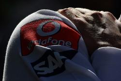 La main et l'épaule de Heikki Kovalainen, McLaren Mercedes