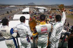 Podium: Félix Porteiro, Scuderia Proteam Motorsport, BMW 320si, Andy Priaulx, BMW Team UK, BMW 320si