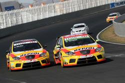 Gabriele Tarquini, Seat Sport, Seat Leon 2.0 TDI et Yvan Muller, Seat Sport, Seat Leon 2.0 TDI
