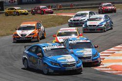 Robert Huff, Chevrolet, Chevrolet Cruze et Alain Menu, Chevrolet, Chevrolet Cruze