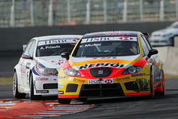 Yvan Muller, Seat Sport, Seat Leon 2.0 TDI et Andy Priaulx, BMW Team UK, BMW 320si