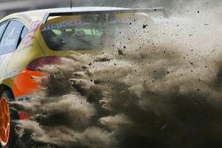 Gabriele Tarquini, Seat Sport, Seat Leon 2.0 TDI, dans le gravier