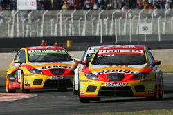 Yvan Muller, Seat Sport, Seat Leon 2.0 TDI, Jorg Muller, BMW Team Germany, BMW 320si et Gabriele Tarquini, Seat Sport, Seat Leon 2.0 TDI