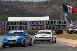 Nicola Larini, Chevrolet, Chevrolet Cruze et Alex Zanardi, BMW Team Italy-Spain, BMW 320si