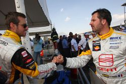 Tiago Monteiro, Seat Sport congratulates Yvan Muller, Seat Sport