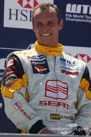 Rickard Rydell, Seat Sport on the podium