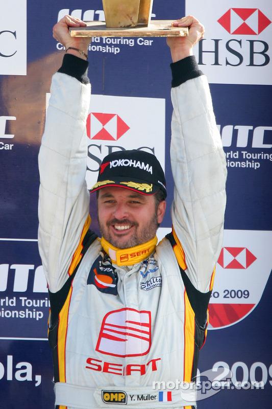 Yvan Muller, Seat Sport sur le podium