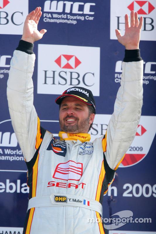 Yvan Muller, Seat Sport on the podium