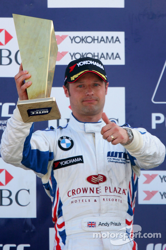 Andy Priaulx, BMW Team UK on the podium