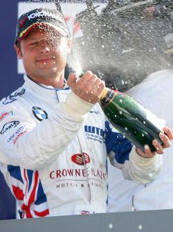 Andy Priaulx, BMW Team UK sur le podium