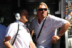 Nick Fry, CEO de Brawn GP et Sir Richard Branson CEO du groupe Virgin