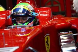 Felipe Massa, Scuderia Ferrari. Pitlane, stand, garage