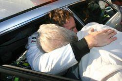 L'auteur de la pole Jenson Button, Brawn GP, célèbre