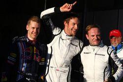 Le poleman Jenson Button, Brawn GP, seconde place pour Rubens Barrichello, troisième place pour Sebastian Vettel, Red Bull Racing