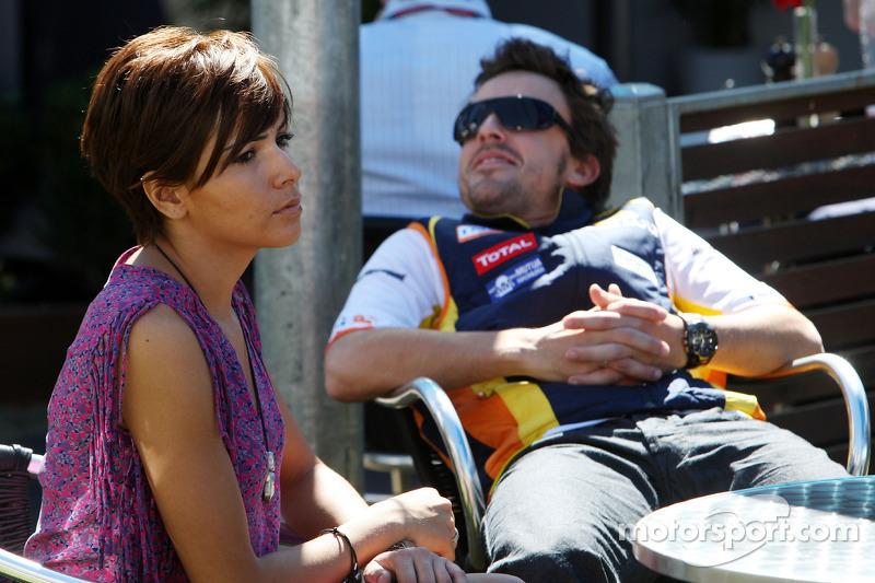 Fernando Alonso, Renault F1 Team, mit Ehefrau Raquel Rosario