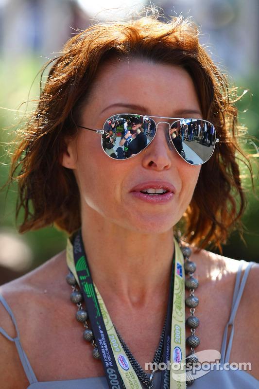 Danni Minogue, Sängerin