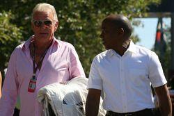 John Button, Vater von Jenson Button; Anthony Hamilton, Vater von Lewis Hamilton