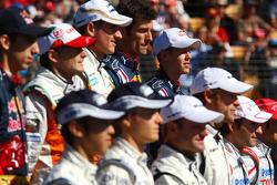 Sebastian Vettel, Red Bull Racing à la photo de famille des pilotes
