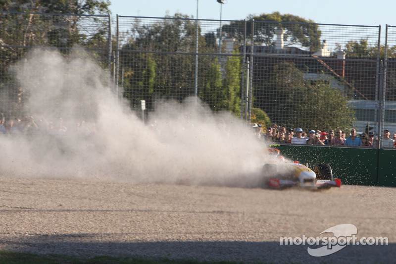 Nelson A. Piquet, Renault F1 Team crashes into the gravel trap