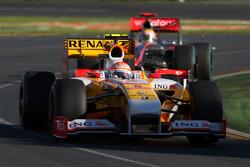 Nelson A. Piquet, Renault F1 Team; Lewis Hamilton, McLaren Mercedes, MP4-24