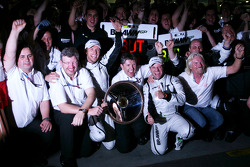 Ross Brawn, directeur général de Brawn GP, Jenson Button, Brawn GP, Nick Fry, CEO de Brawn GP, Rubens Barrichello, Brawn GP et Sir Richard Branson, CEO du groupe Virgin