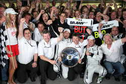 Ross Brawn, directeur général de Brawn GP, Jenson Button, Brawn GP, Rubens Barrichello, Brawn GP, Nick Fry, CEO de Brawn GP, Sir Richard Branson, CEO du groupe Virgin