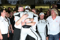 Ross Brawn, directeur général de Brawn GP, Jenson Button, Brawn GP, Nick Fry, CEO de Brawn GP
