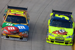 Kyle Busch, Joe Gibbs Racing Toyota, Mark Martin, Hendrick Motorsports Chevrolet