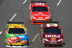 Kyle Busch, Joe Gibbs Racing Toyota, Clint Bowyer, Richard Childress Racing Chevrolet, Tony Stewart,