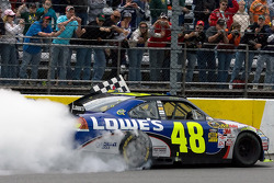 Race winner Jimmie Johnson, Hendrick Motorsports Chevrolet, celebrates