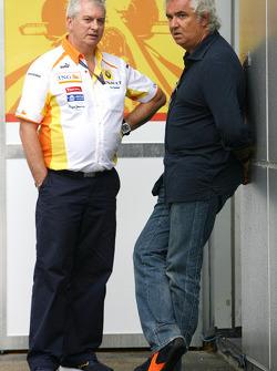 Pat Symonds, Renault F1 Team,Direktör, mühendising ve Flavio Briatore, Renault F1 Team, Takım Şefi,