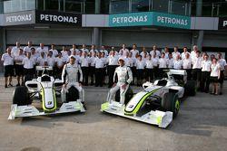 Brawn GP group picture, Jenson Button, Brawn GP, Rubens Barrichello, Brawn GP and Ross Brawn Team Pr