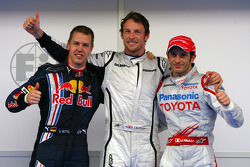 Pole: Kazanan Jenson Button, Brawn GP, ve 3. Sebastian Vettel, Red Bull Racing, 2. Jarno Trulli, To