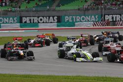 Start: Rubens Barrichello, Brawn GP, Mark Webber, Red Bull Racing
