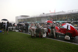 Red flag, Cars stop, track