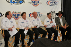 Dennis Reinbold, Robbie Buhl, Todd Whitworth, John Andretti, and Richard Petty