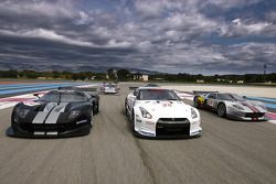 Photo des GT1 sur la piste