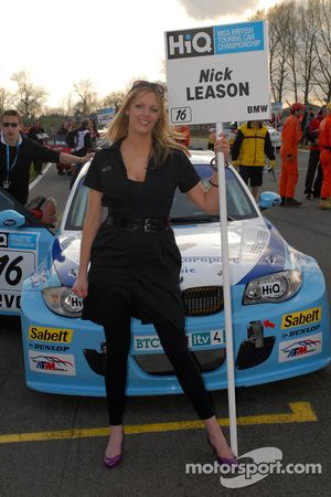 Grid girl de Nick Leason